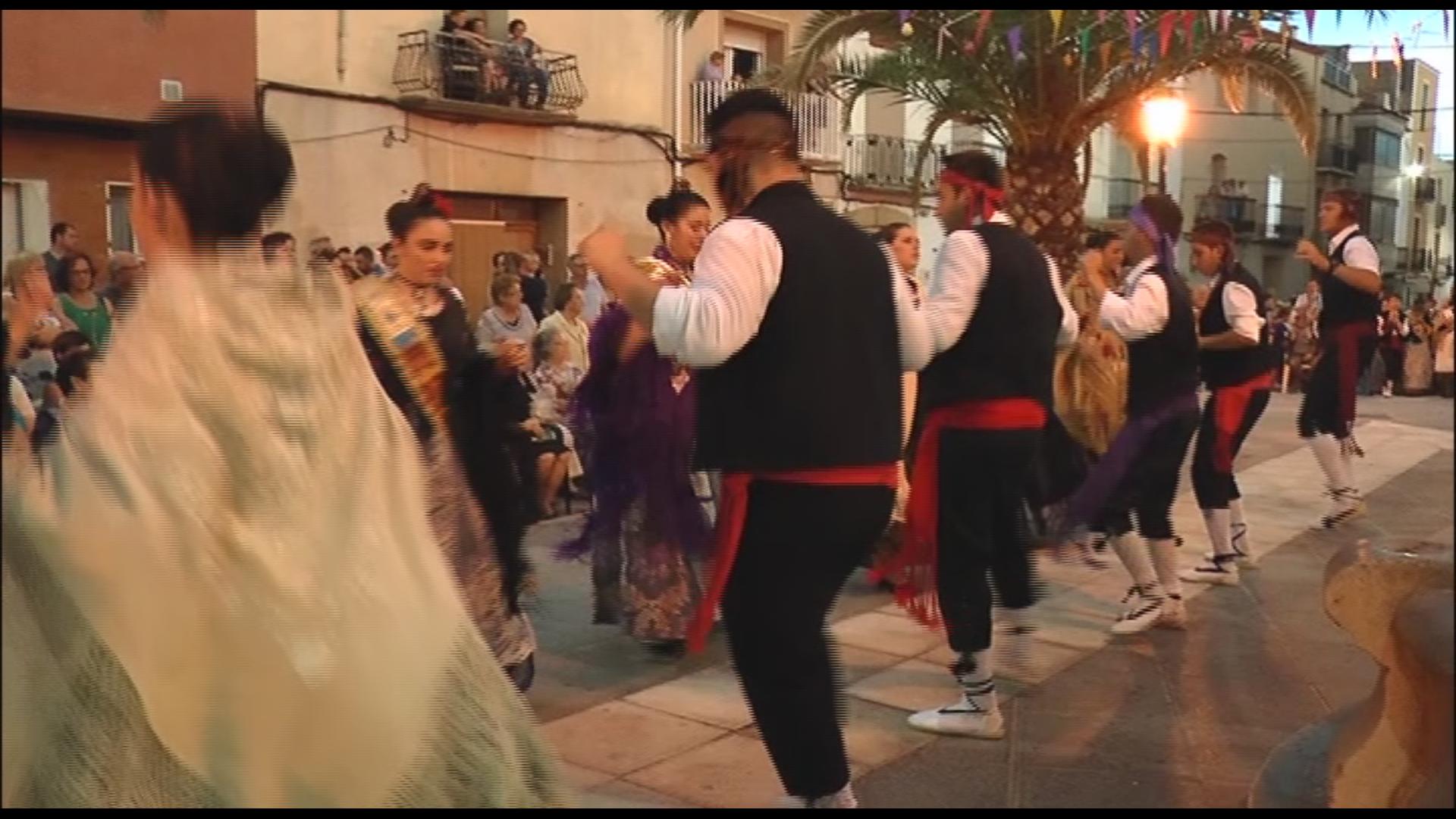 Canet lo Roig celebra el ball de la Dansa