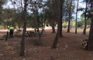 Santa Magdalena, les Brigades Forestals de la Generalitat i Diputació netegen l'ermita de Sant Vicent