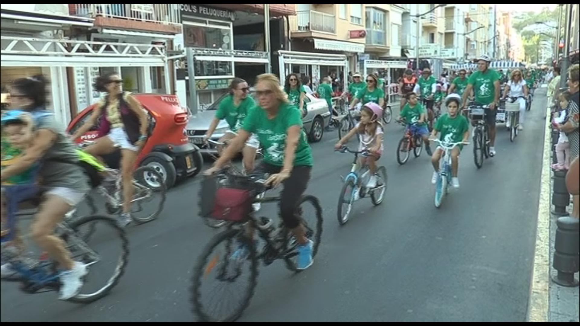 Peníscola celebrar el Dia de la Bici amb més de 1.800 persones