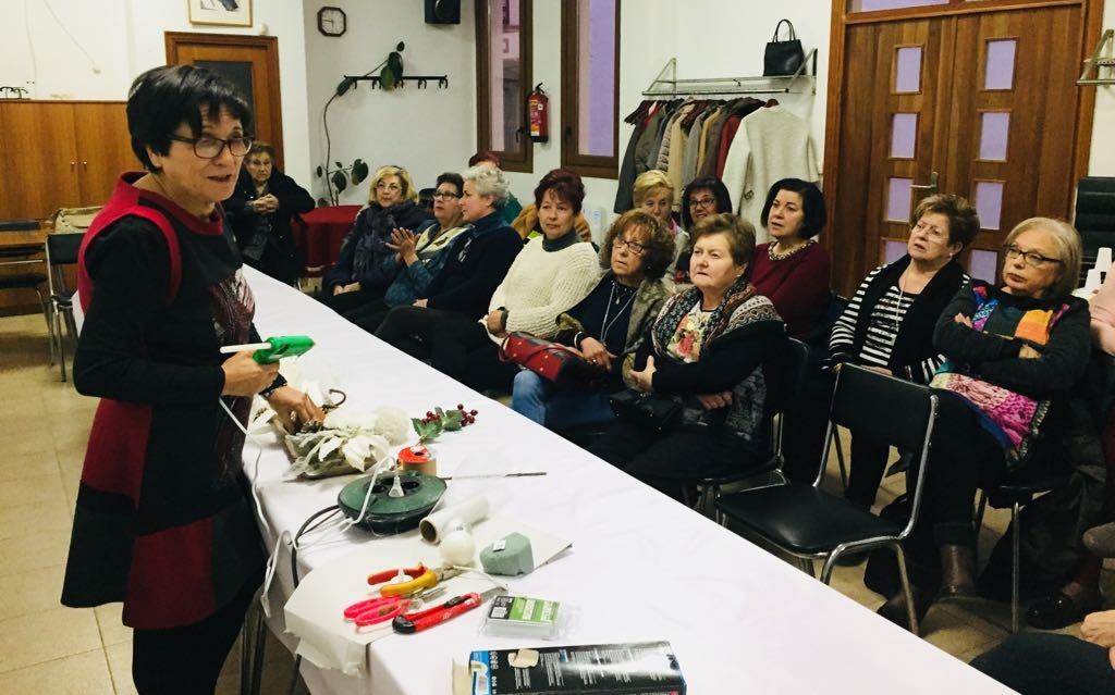 Sant Jordi ha celebrat aquest cap de setmana un taller de decoració nadalenca
