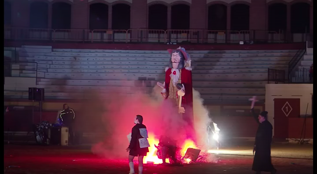 Vinaròs, finalitza el Carnaval 2018 amb l'enterro de la sardina i la cremada de Carnestoltes