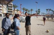 Vinaròs, l'ajuntament adequa les xarxes de voleibol de la platja del Fortí