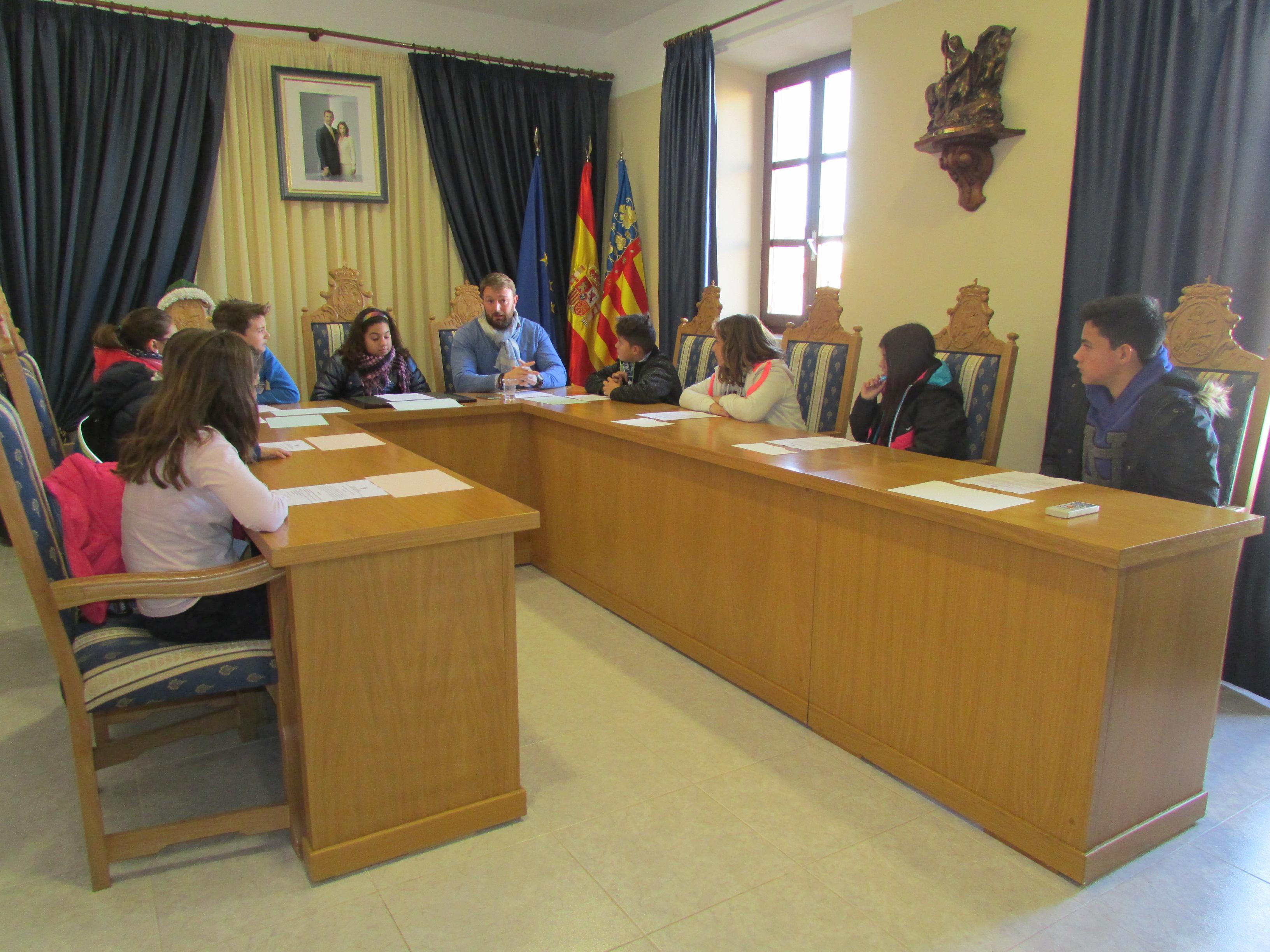 Sant Jordi pagarà el material escolar els alumnes de secundària i cicles formatius