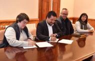 Les Coves de Vinromà cobrirà la pista esportiva gràcies al conveni signat amb la Diputació