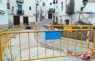 Peníscola, l'Ajuntament inicia les obres de reparació de la calçada en els carrers del centre històric