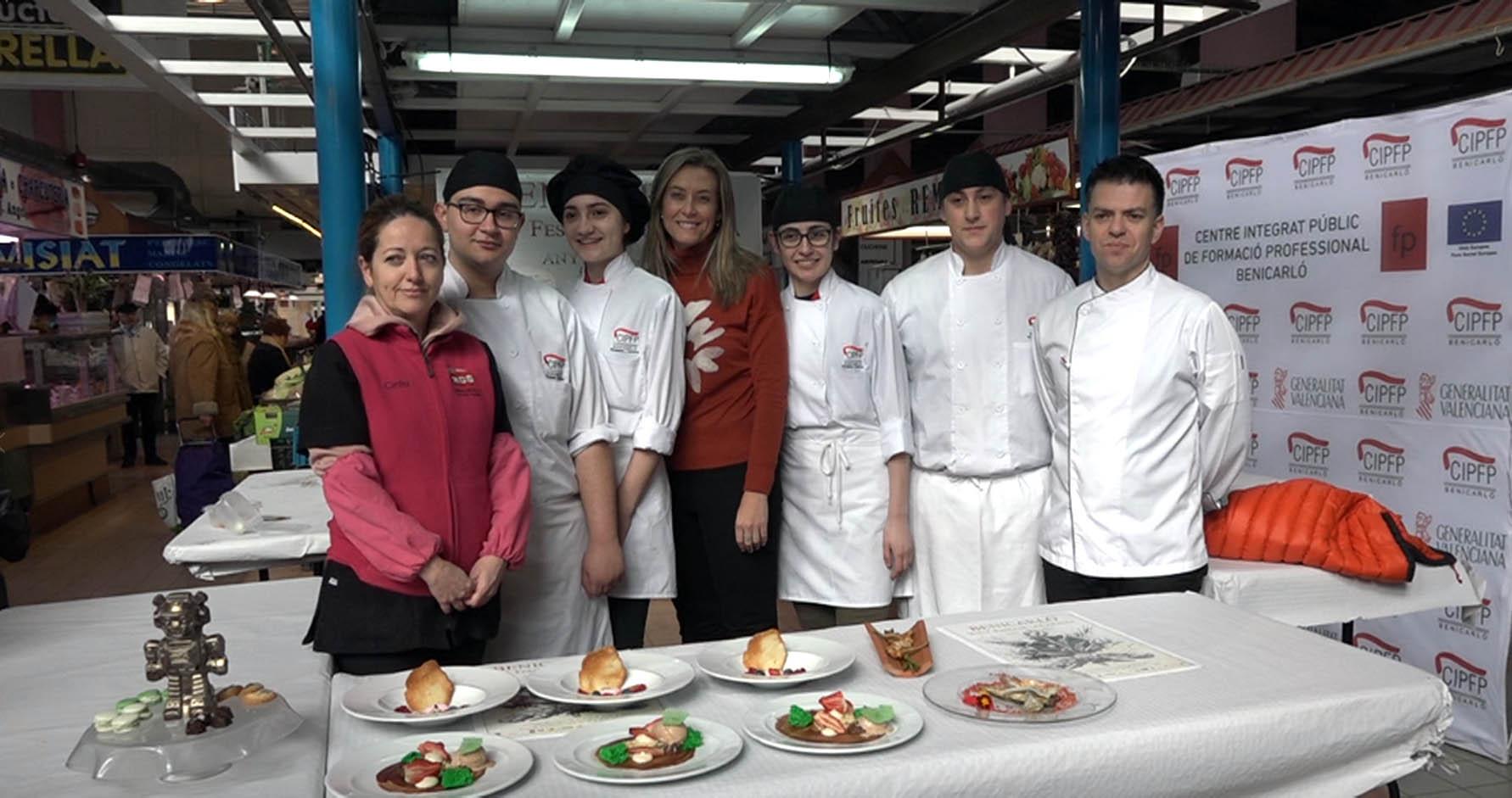 Benicarló, els alumnes de Cuina del CIPFP realitzen una demostració gastronòmica al Mercat