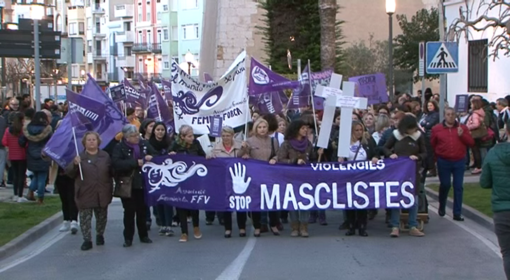 Vinaròs celebra el Dia de la Dona reivindicant la igualtat i l'eliminació de la violència de gènere
