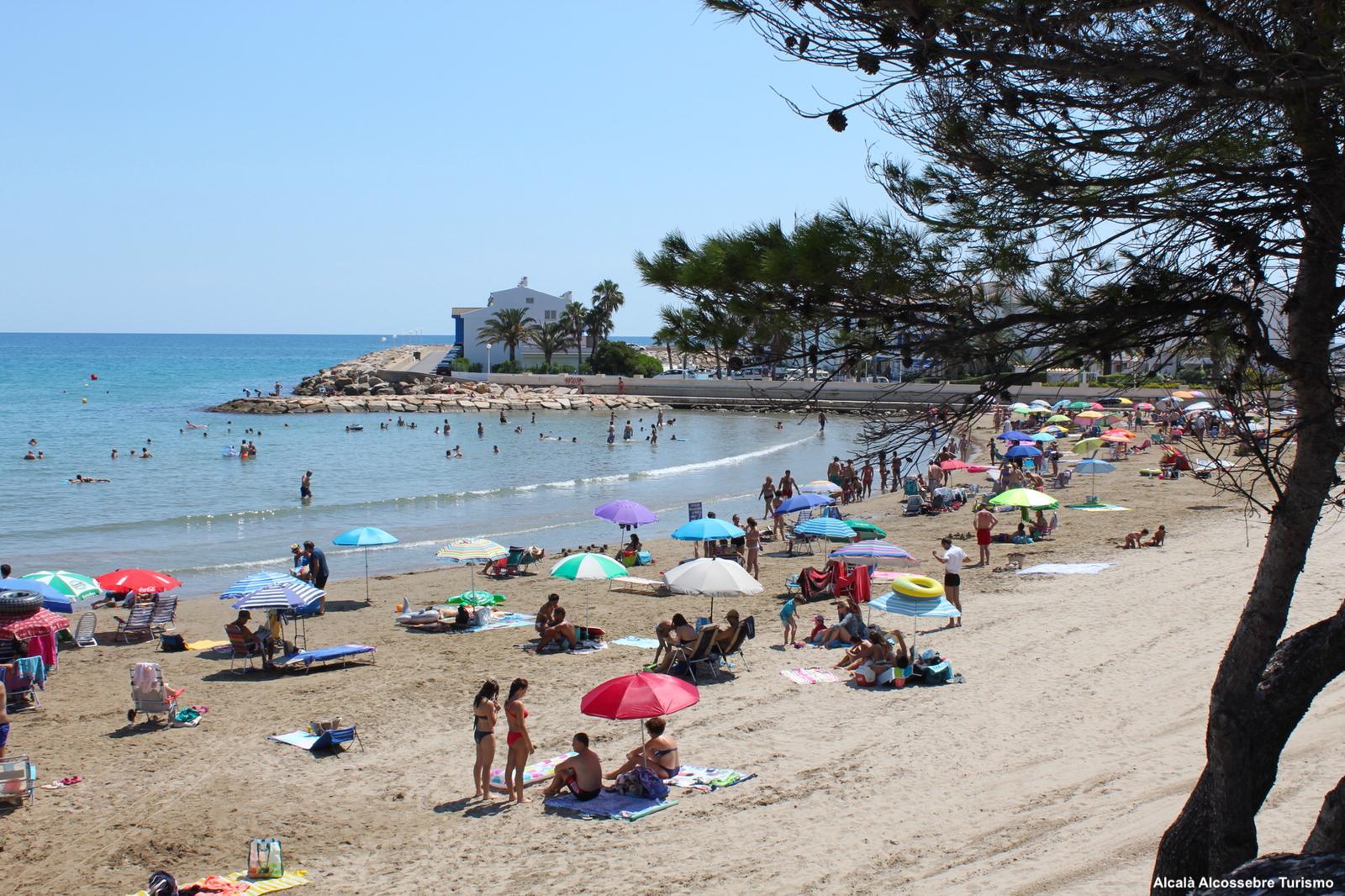 Alcalà, les analítiques certifiquen que l'aigua de la platja de Les Fonts és excel·lent