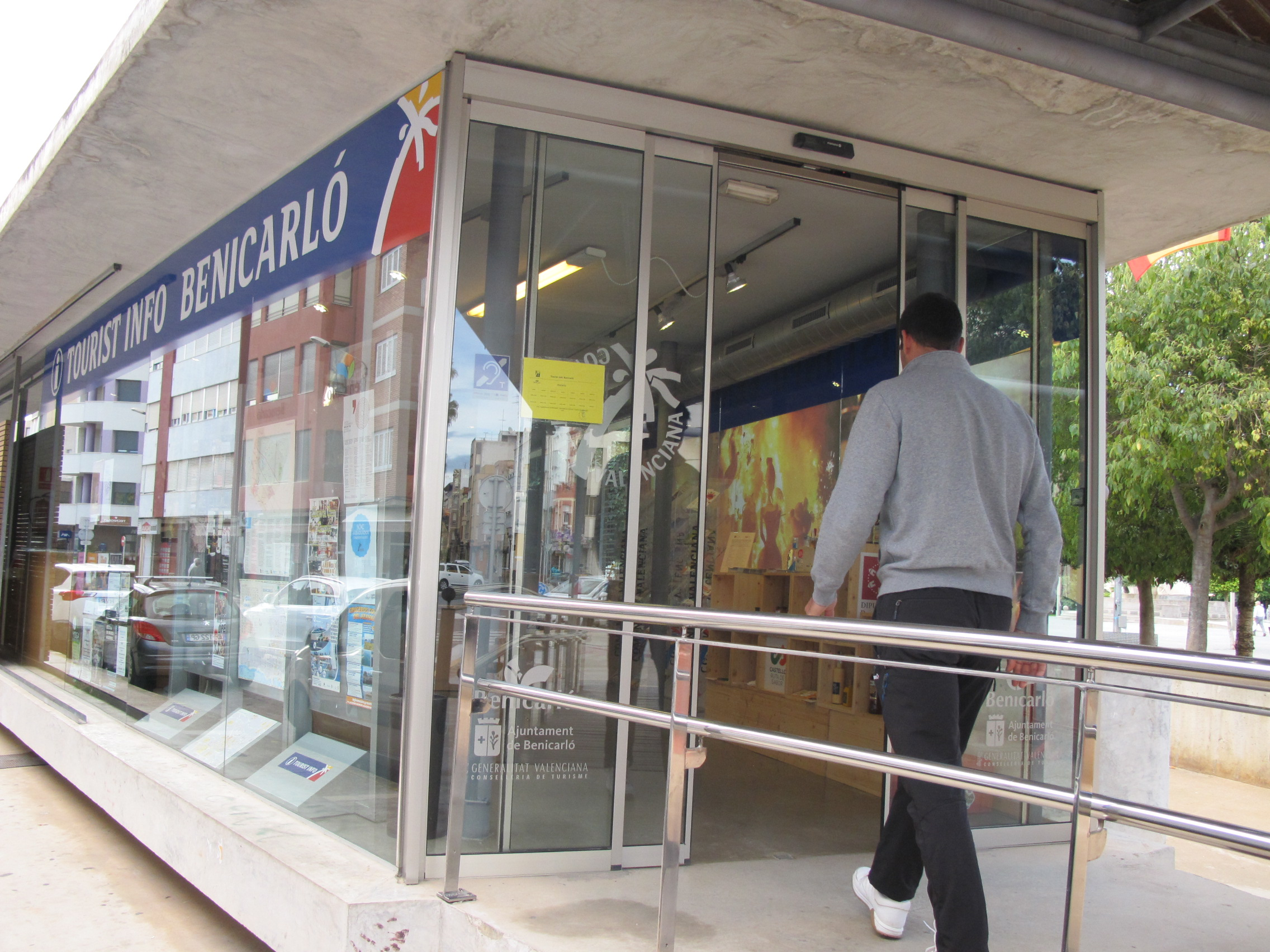 La Xarxa d'Oficines Tourist Info obri les portes i reprèn la prestació presencial dels serveis per a la campanya d'estiu