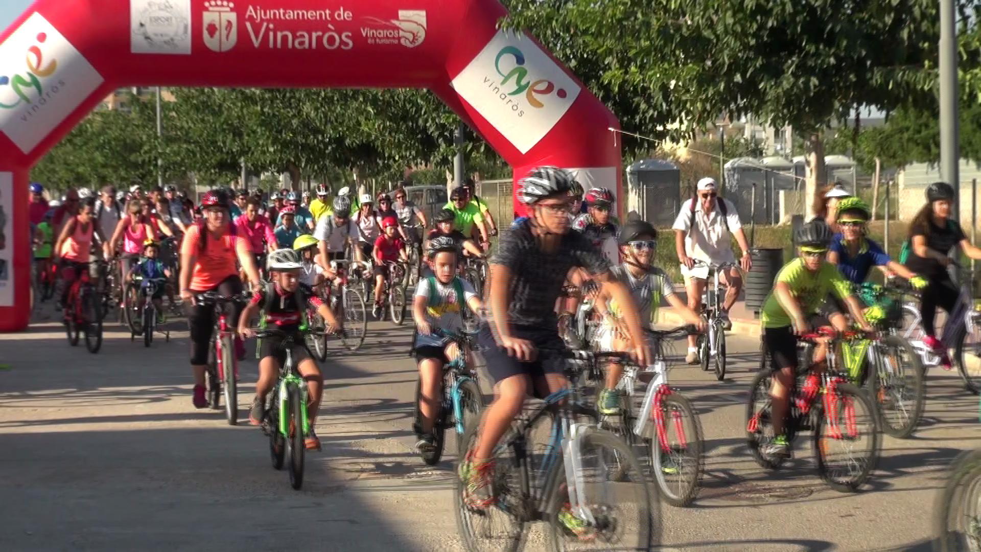 Vinaròs, més de 200 persones participen en el Dia de la Bici