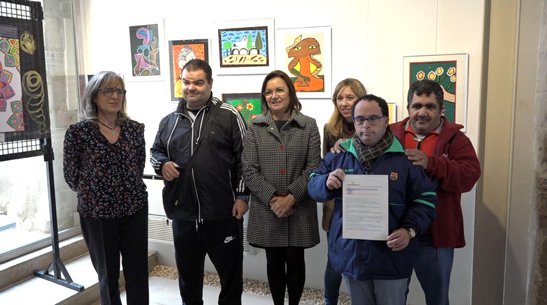 Benicarló fomenta la integració social de les persones discapacitades amb l'exposició