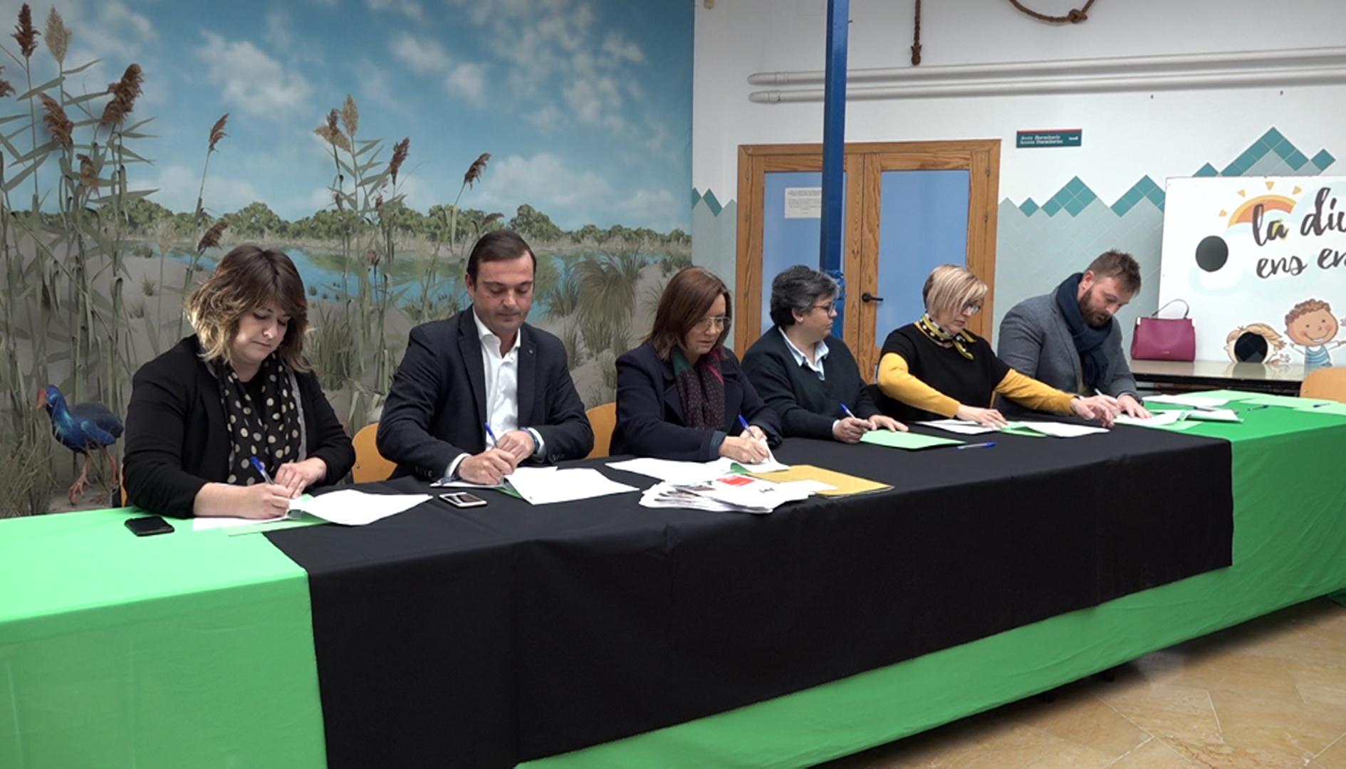 Benicarló, els pobles del Maestrat renoven el conveni amb l'Associació Ateneu