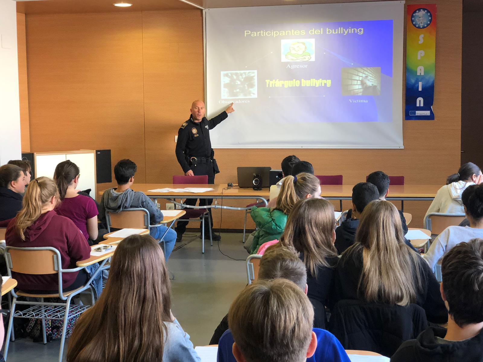 Alcalà, la Policia Local ofereix el segon cicle de xerrades per lluitar contra l'assetjament escolar