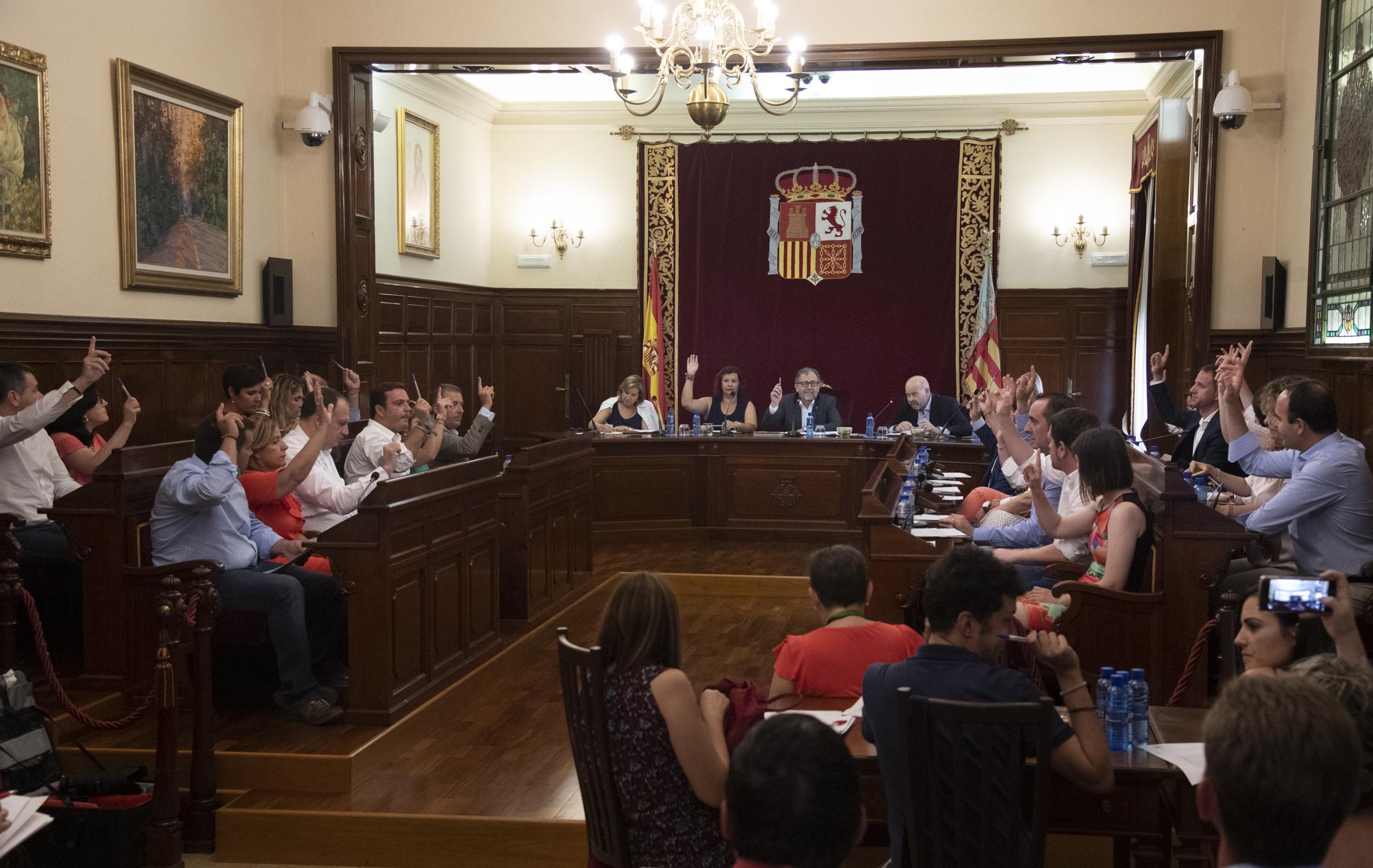 La Diputació aprova les retribucions i dedicacions dels diputats amb un estalvi de 235.000€