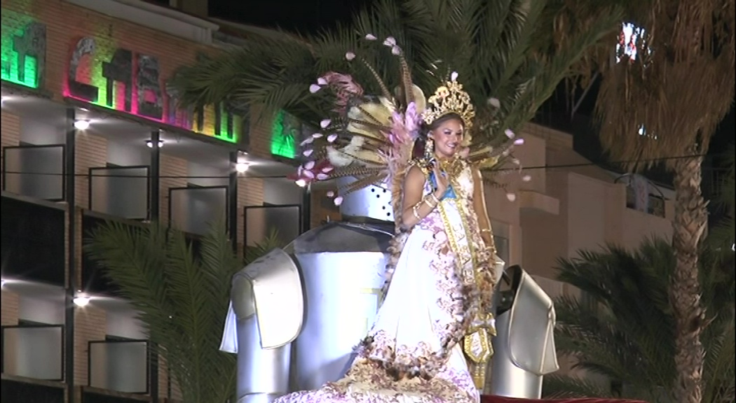 Peníscola celebra les desfilada dels Moros i Cristians