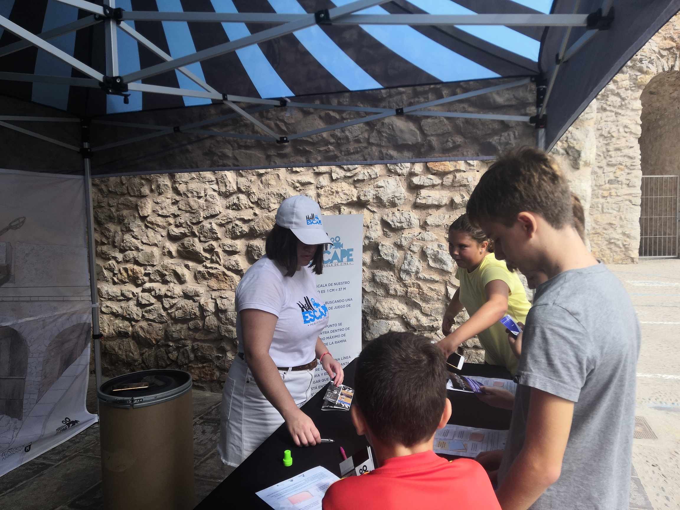 Peníscola, més de 500 persones participen en el Halle Escape