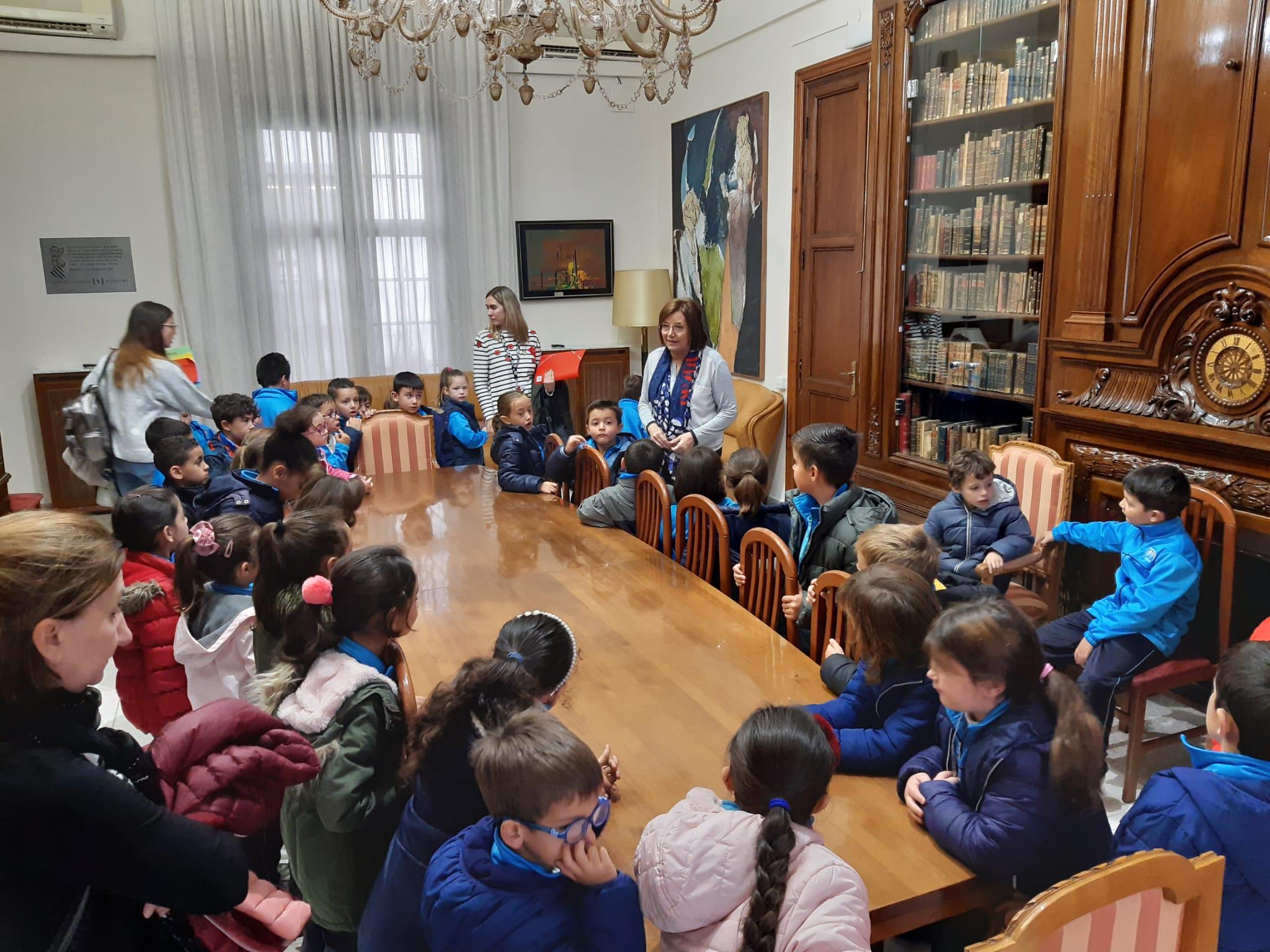 Benicarló; Visita dels alumnes del CEIP Àngel Esteban a l'Ajuntament de Benicarló