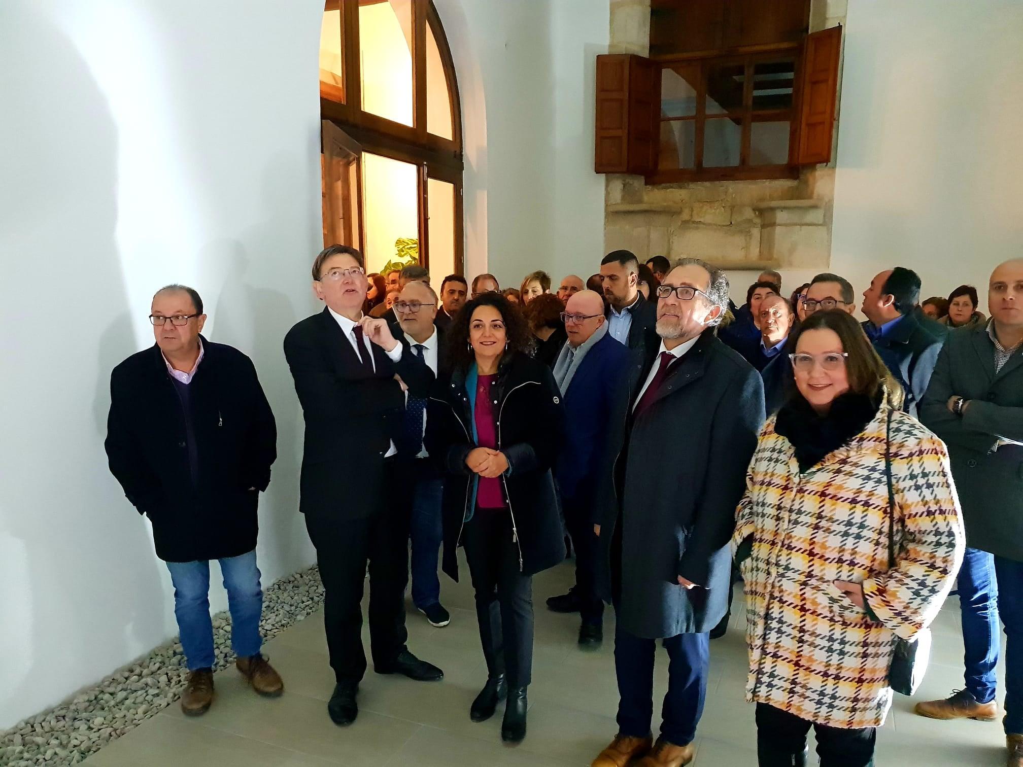 Ximo Puig visita el Palau del Marqués de Villores de Sant Mateu