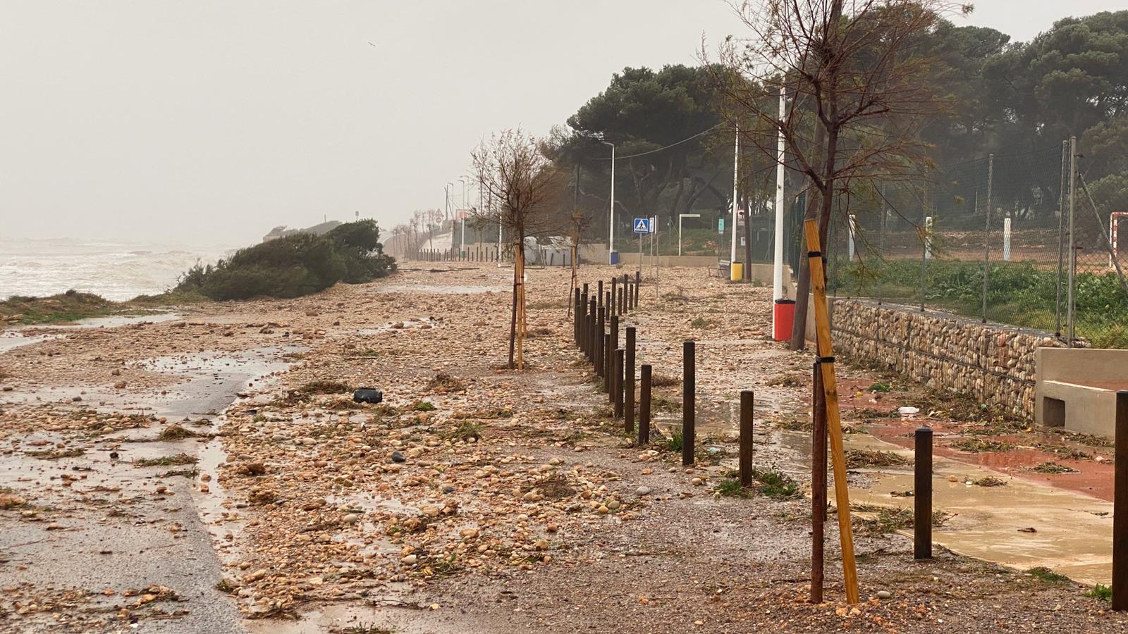 Alcossebre pateix els efectes del temporal marítim