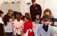 Taller d'elaboració de galletes per als xiquets i xiquetes de Sant Jordi