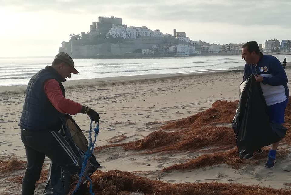 Jornada de neteja de platges a Peníscola