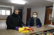 Peníscola posa a la disposició de la gent del camp les mascaretes elaborades pels voluntaris