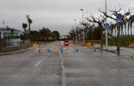 L'Ajuntament d'Alcanar tanca els accessos secundaris a les Cases per a evitar l'entrada de persones amb segona residència