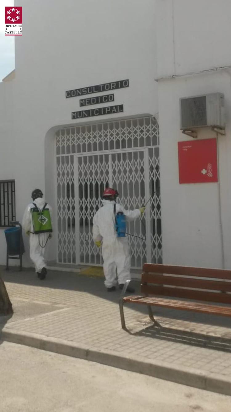Els bombers del Consorci de la Diputació continuen desinfectant en municipis de la província