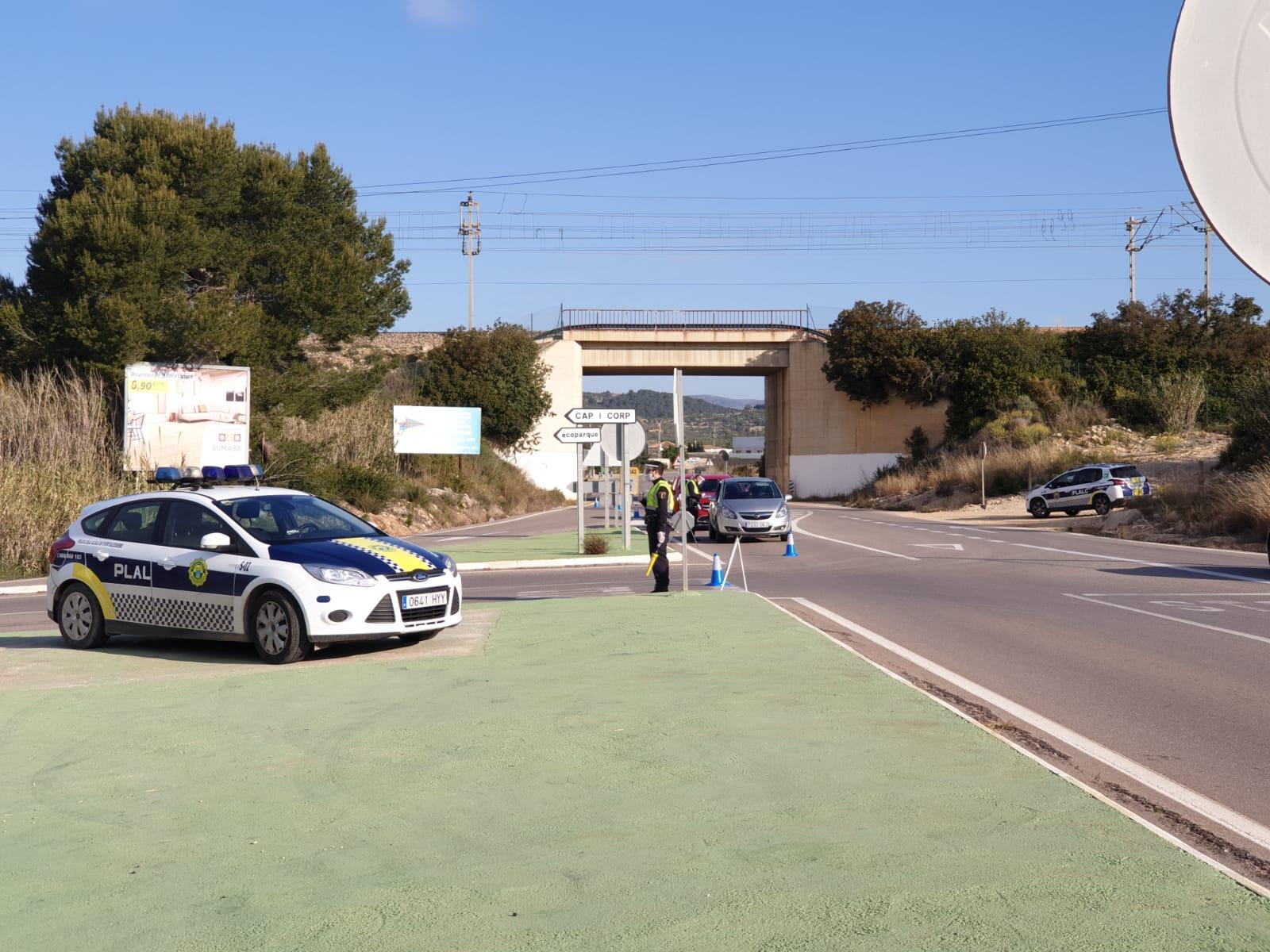 La Policia Local d'Alcalà-Alcossebre identifica a 400 persones i tramita 15 denúncies per incomplir el confinament