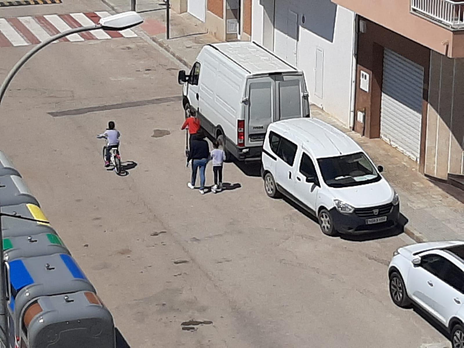 Cap incidència en el primer dia de sortida al carrer dels xiquets i xiquetes d'Alcanar