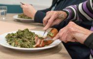 Igualtat amplia als caps de setmana i festius el servei de 'Menjar a Casa' per a persones majors davant l'emergència sanitària
