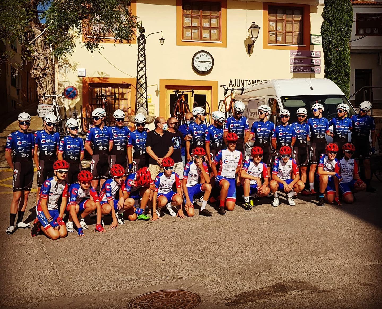 Cervera del Maestre escenari de la presentació dels equips ciclistes Electro Hiper Europa Ristasol