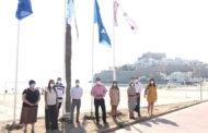 Peníscola; Hissada de banderes -Blava i de Qualitat- a la platja Nord de Peníscola 29-06-2020