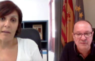 Mª Ángeles Pallarés, alcaldessa de Canet lo Roig, i Adolf Sanmartín, alcalde de Cervera del Maestre, a L'ENTREVISTA de C56