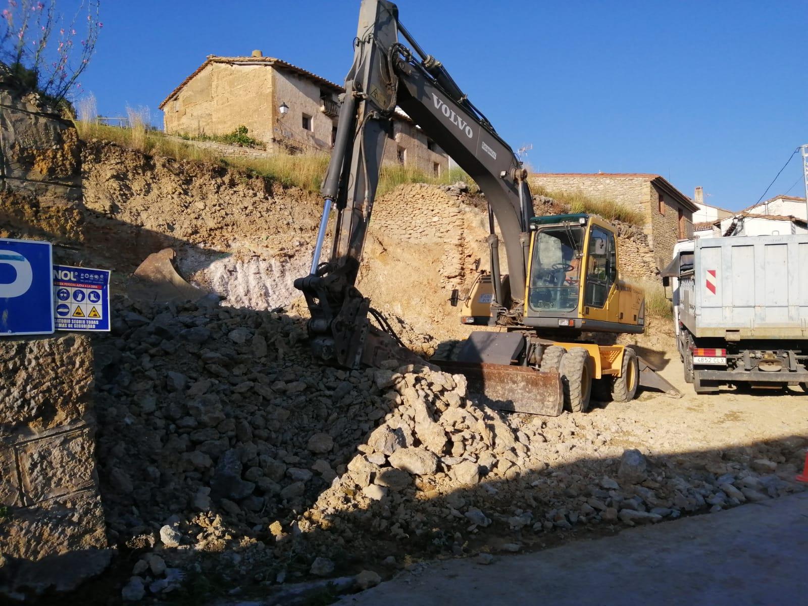 Palanques adequa la zona d'antics dipòsits per convertir-la en un pàrquing