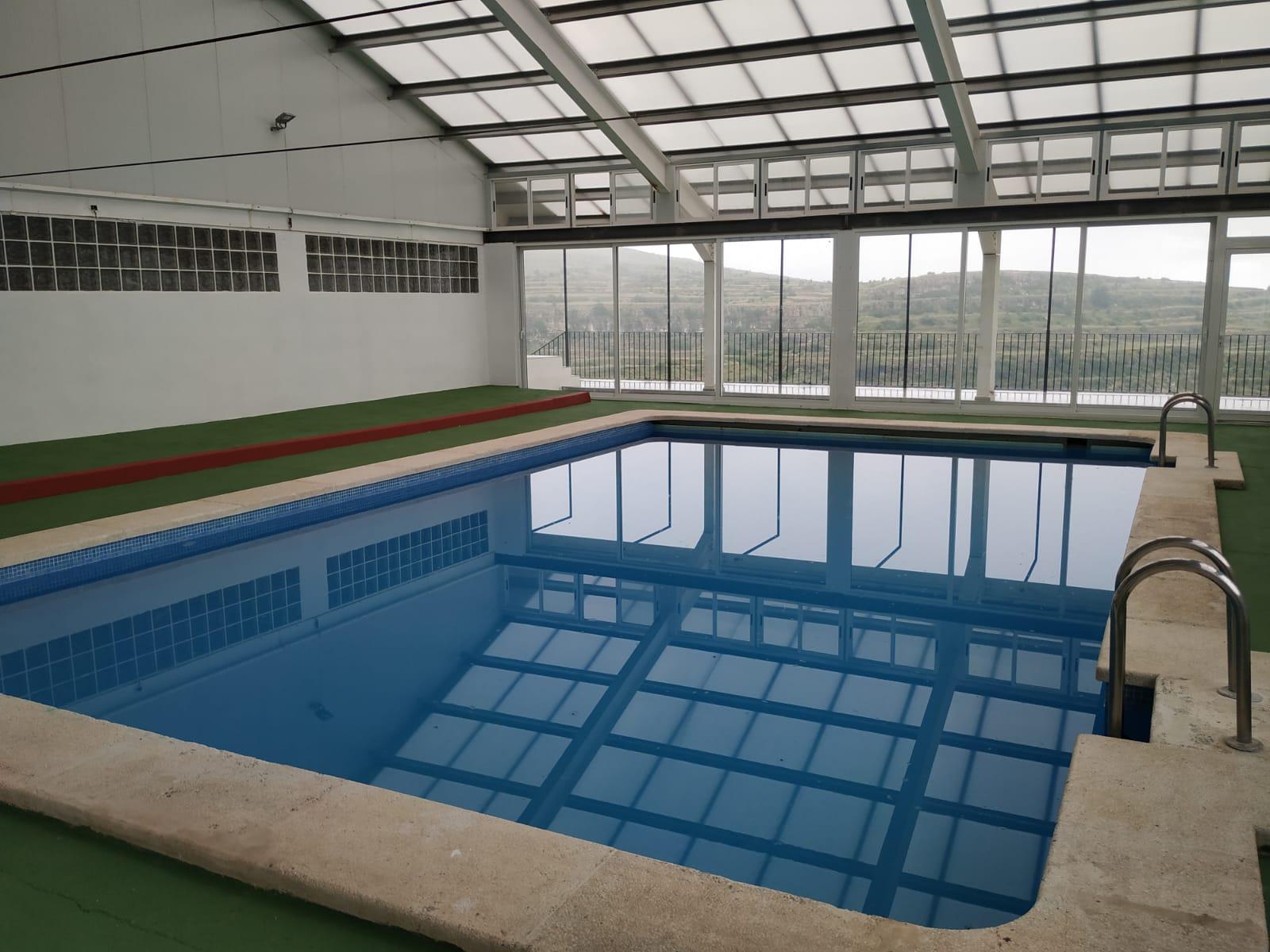 Tot a punt per a la reobertura de la piscina coberta de Castellfort