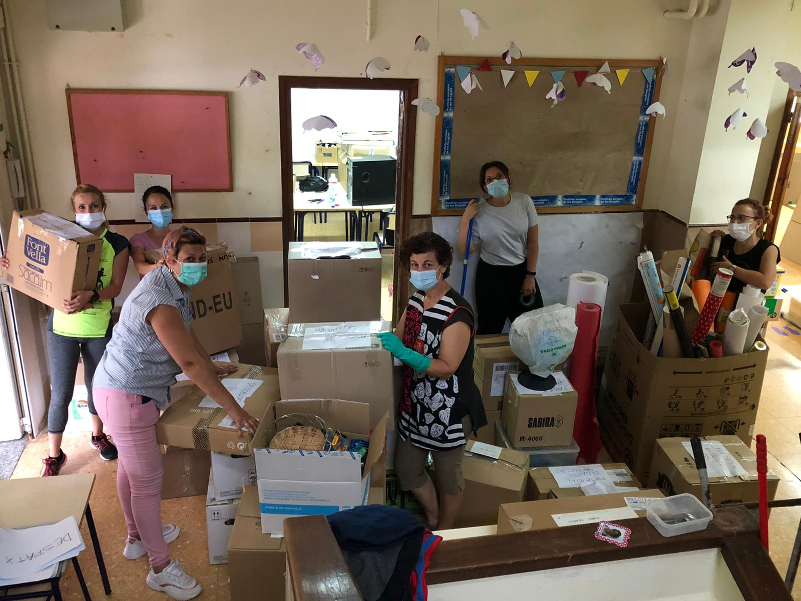 El col·legi públic de Santa Magdalena inicia el seu trasllat a les aules prefabricades