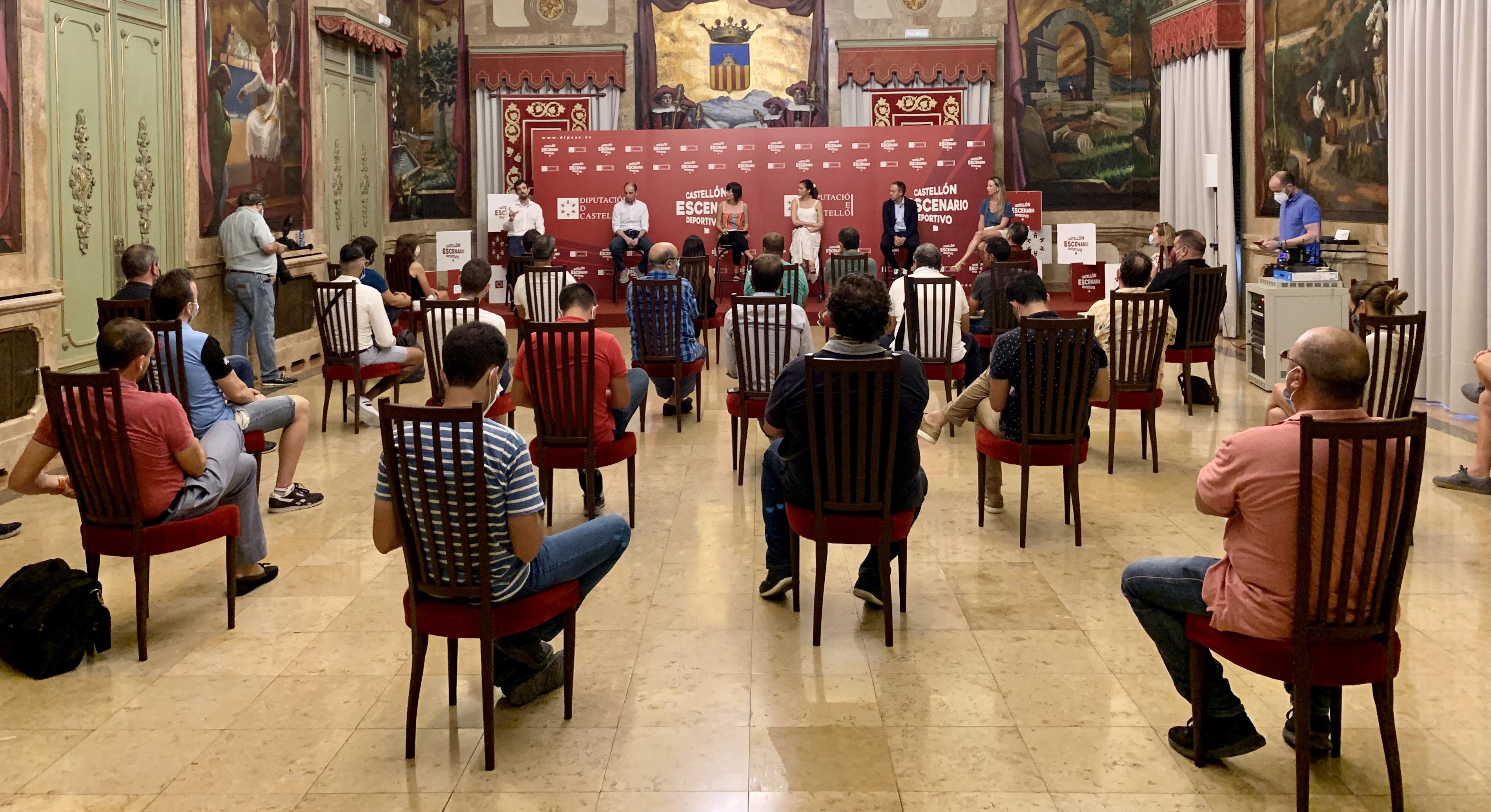 Baños qualifica d'èxit el cicle de conferències per a l'adaptació del teixit esportiu de la província a la nova realitat