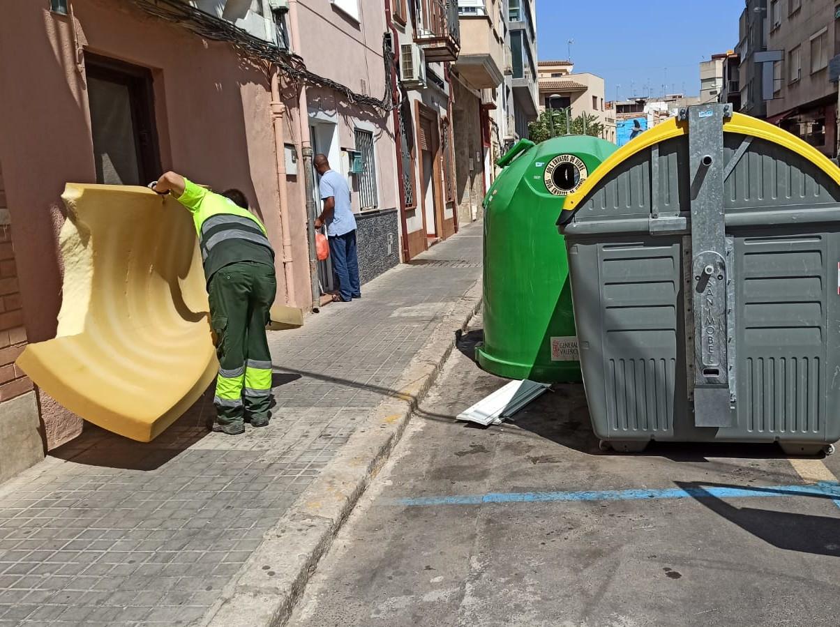 Benicarló posa en marxa una campanya per a frenar l'abandonament de residus