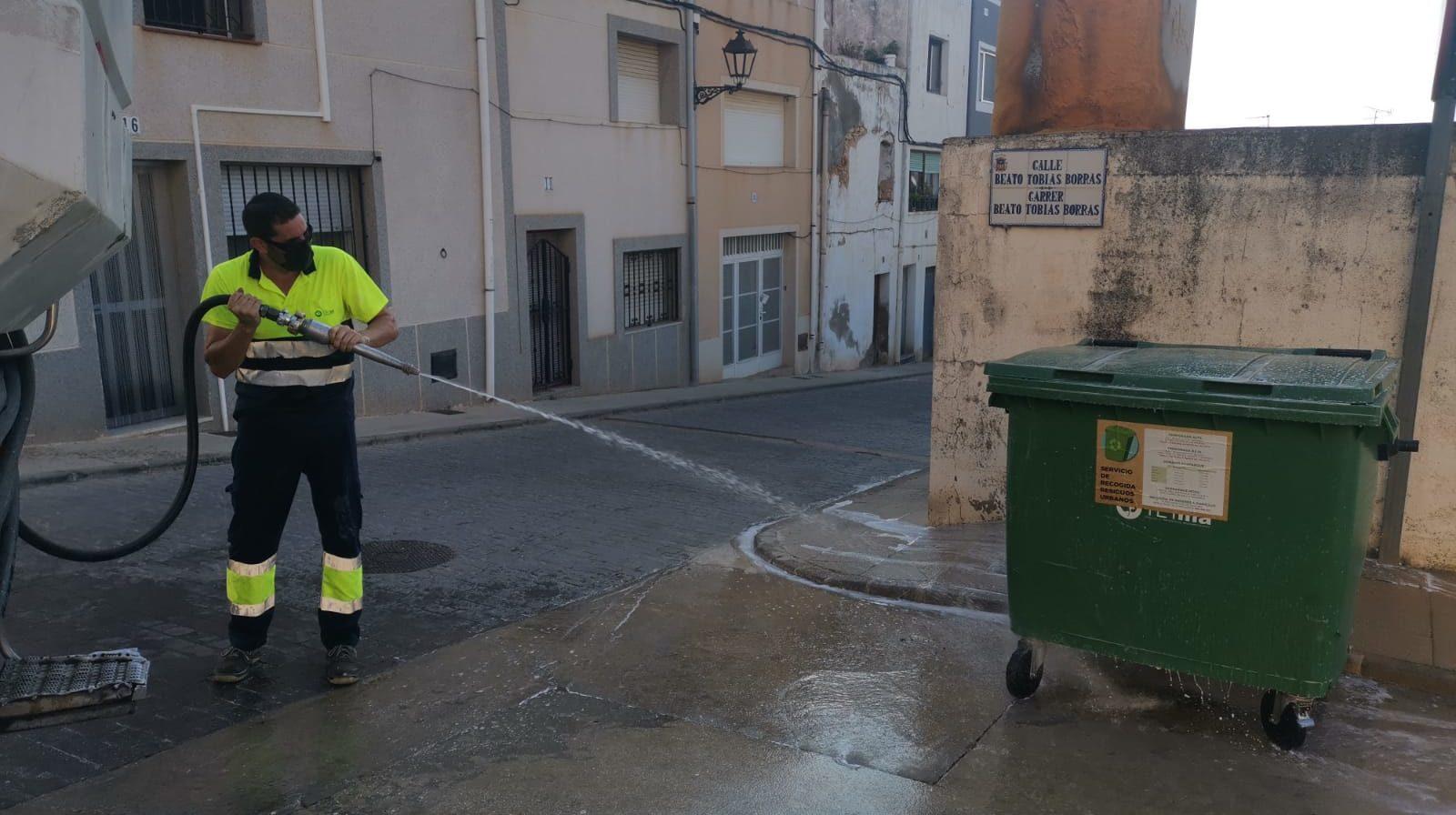 Sant Jordi manté les desinfeccions en tot el municipi davant l'augment de l'activitat turística