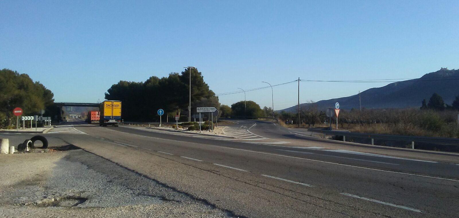 L'alcalde d'Alcalà-Alcossebre recorda en una carta a Ábalos les demandes 'pendents i urgents' en transport i carreteres
