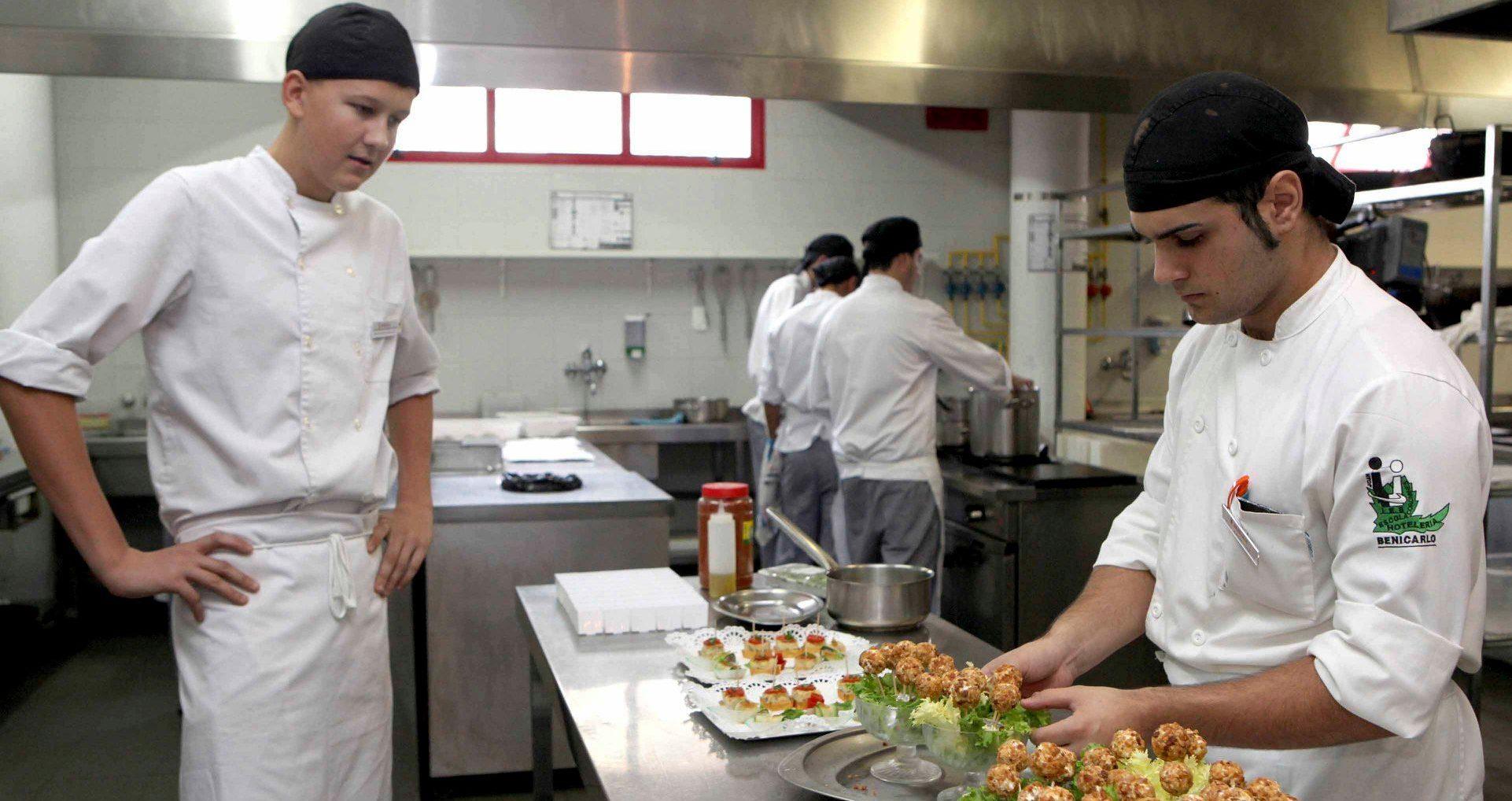 La Generalitat llança convocatòries d'ocupació per a contractar a 3.300 persones i reforçar la capacitat dels ajuntaments