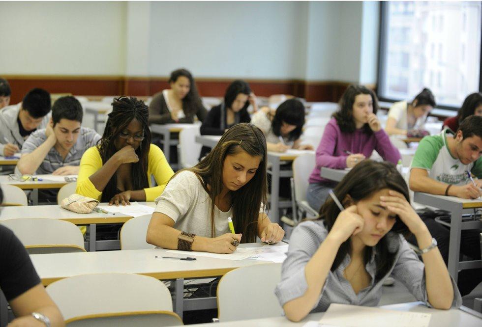 Universitats convoca les beques salari del curs 2020-2021