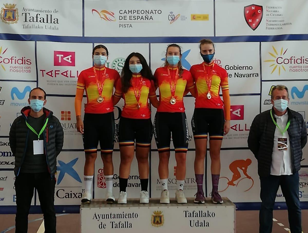 La ciclista calijona CarlaPruñonosa, or en persecució per equips al campionat d'Espanya de Tafalla