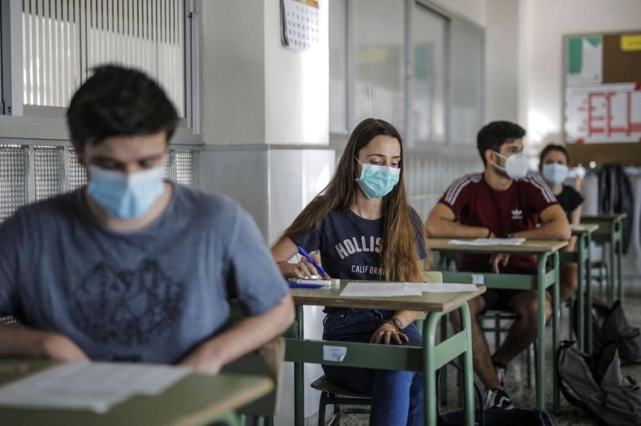Educació beca amb 600 euros a 129 xiques que obrin camins a la dona en cicles d'FP amb alta ocupabilitat