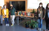 L'Ajuntament d'Alcalà-Alcossebre dona llibres sobre igualtat i violència de gènere a l'IES Serra d'Irta