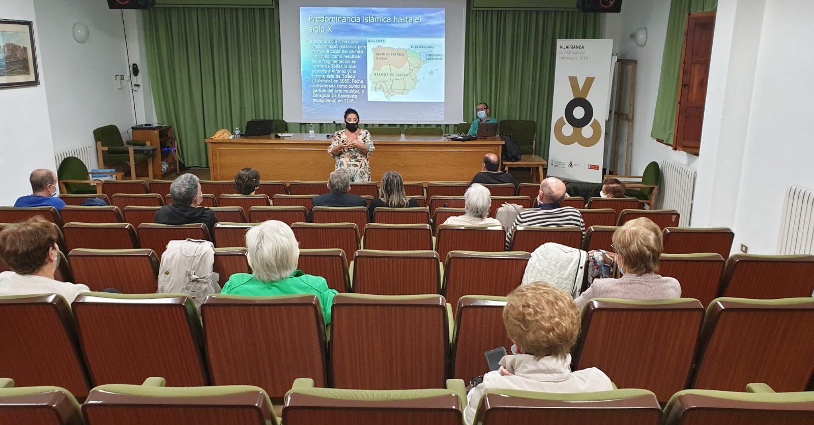 21 alumnes de Vilafranca emprenen el curs de l'UJI per a majors sense desplaçaments