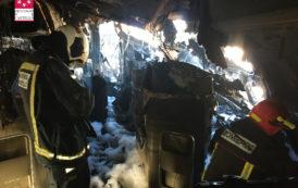Incendi d'una aeronau en fase desballestament en l'aeroport de Castelló