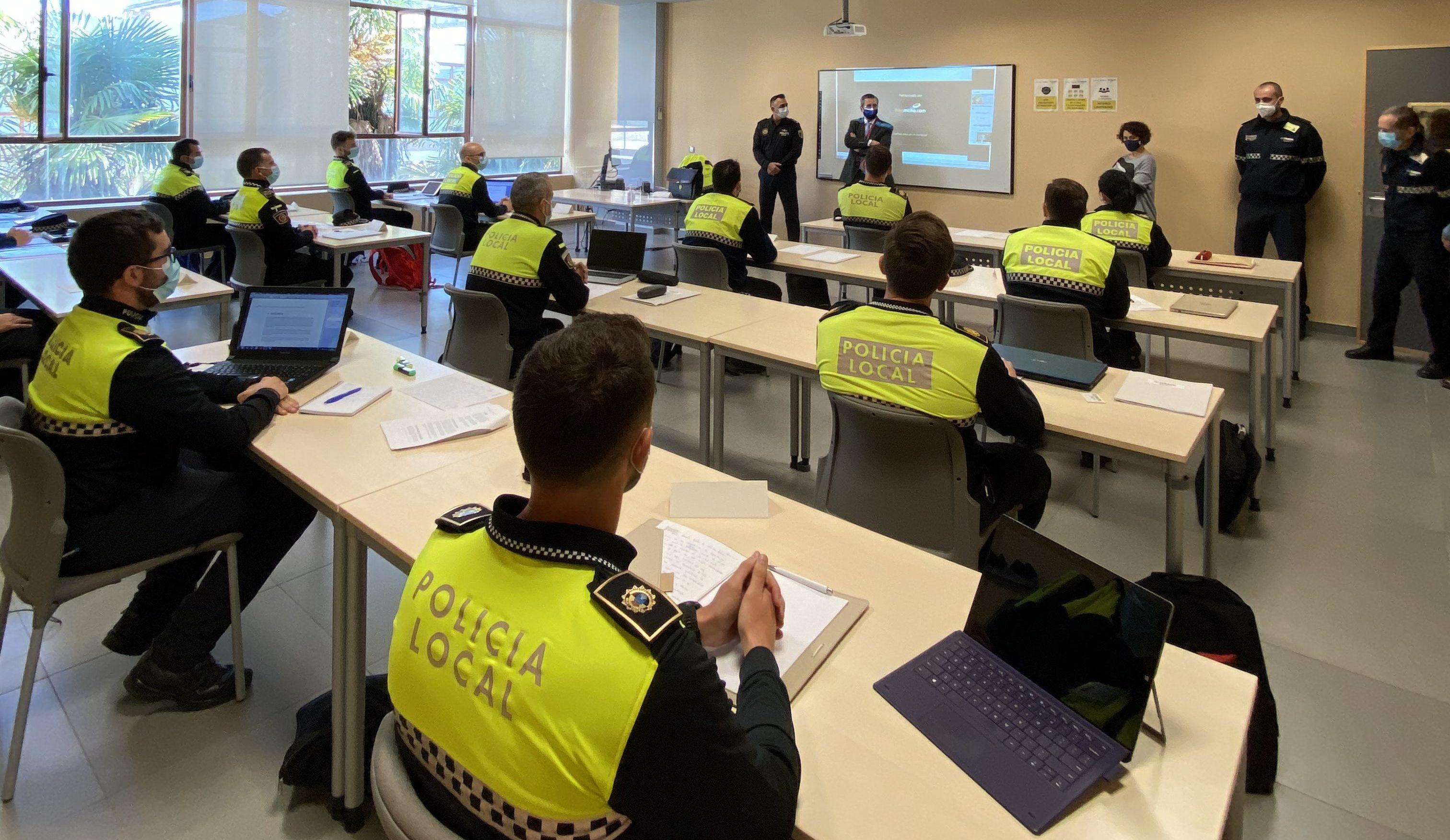 L'Agència de Seguretat i Emergències posa en marxa el curs bàsic de Policia Local