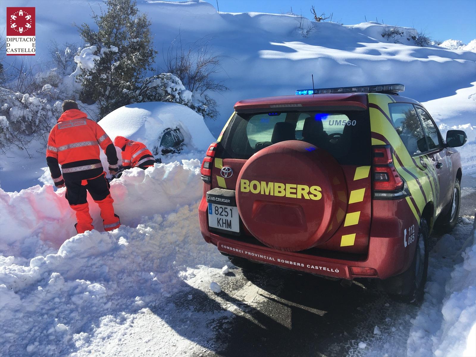 El Consorci de Bombers reforça amb més maquinària les mesures contra el gel de les carreteres